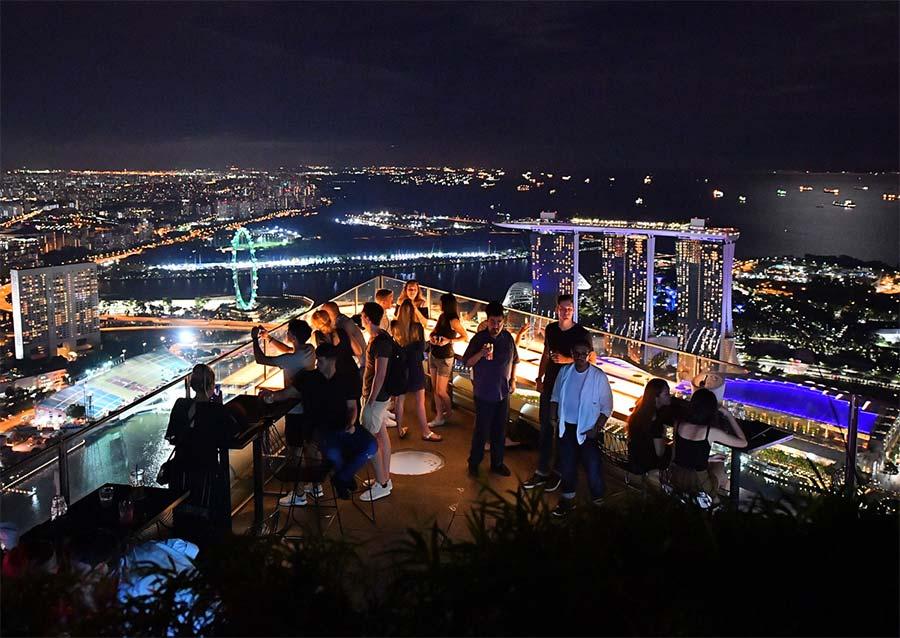 1-altitude rooftop bar