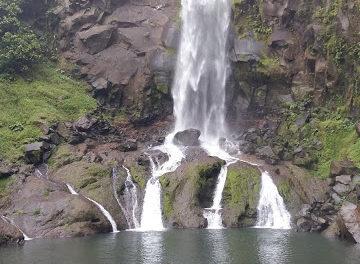 SocialClimber: Buntot Palos Falls