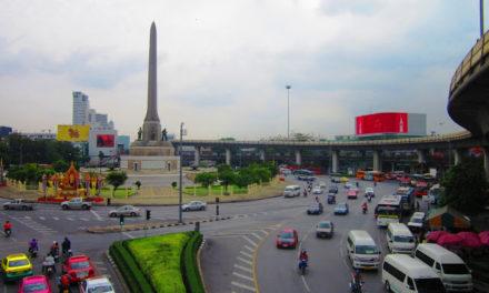 Royal Walk on Dusit Palace Complex