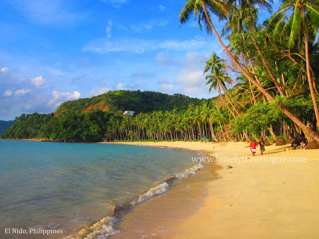 Perfect Moment in Maremegmeg Beach, El Nido Palawan