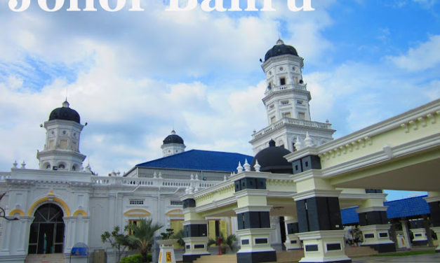 Johor Bahru: The Crossing and Solemnity of a Worship Place