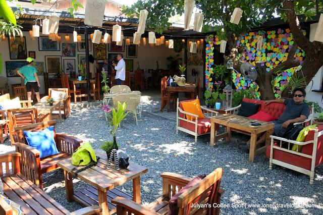 Julyan's Coffee Spot by Zambawood