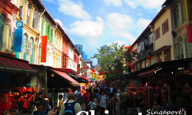 The Vivid Colors of Singapore's Chinatown